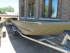 New 2015  powered Lowe Boat for sale