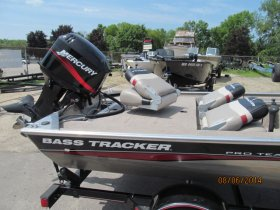 Pre-Owned 2005 Tracker Pro Team 165 Power Boat for sale