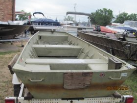 Pre-Owned 1991 Lowe 1442MV Power Boat for sale