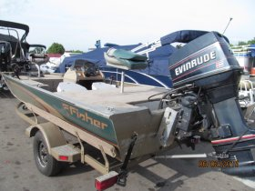 2000 Fisher Dominator 17