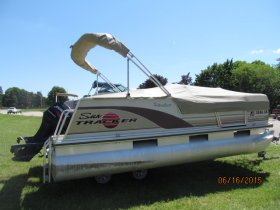Used 2002 Tracker SunTracker Signature 18 for sale