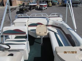 Pre-Owned 1998  powered Power Boat for sale