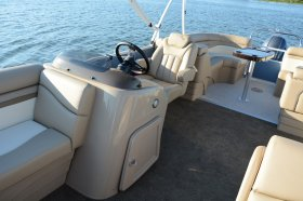 New 2016 Bennington 22SSRX Stern Radius Power Boat for sale