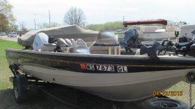 2001 Crestliner FishHawk 1850