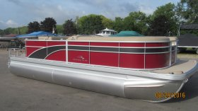New 2017 Bennington Power Boat for sale